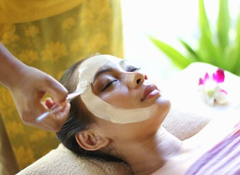 ladies beauty parlour in Kalyani